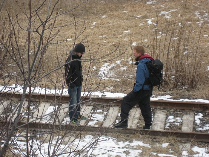 Face-off on the tracks. - Walk at the Toronto Brickworks